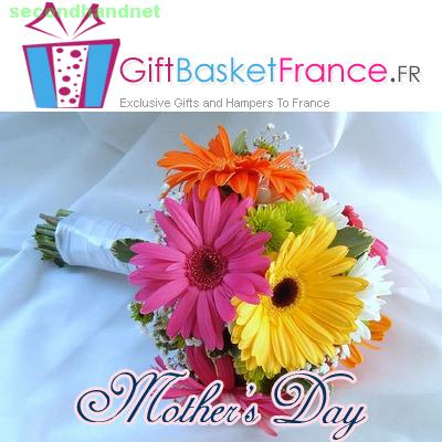 Dedicate your warm regards towards your mother with flowers