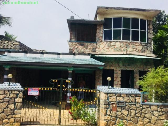 9 cent land 2100sqft HOUSE near jilla panchayath office, Melmuri-ottapalam, Pala